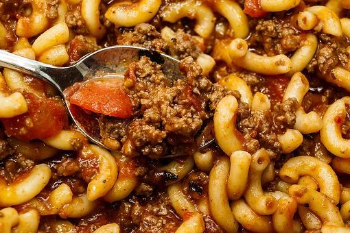 American Chop Suey Recipe: A 20-Minute Skillet Macaroni Recipe With Ground Beef & Tomatoes