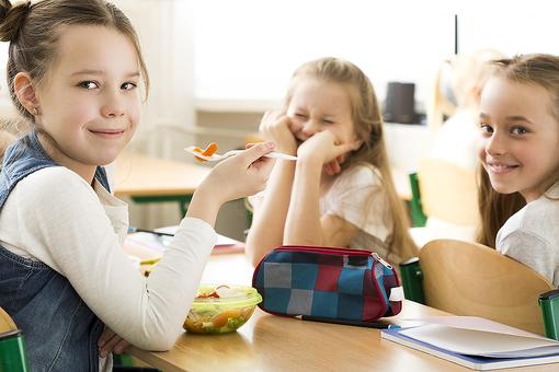 Snack-Time Anxiety: Understanding Food Allergies in Your Child's Classroom