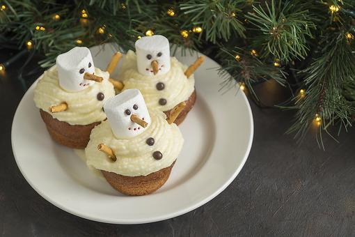 Snowman Cupcakes Recipe: No Snow Needed for These Easy Holiday Cupcakes