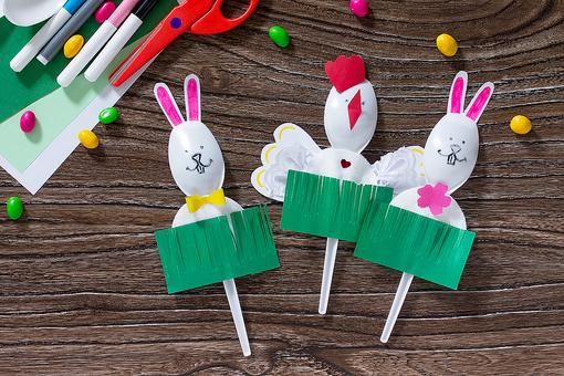 Spring Crafts for Kids: How to Make Bunny & Chicken Spoon Puppets