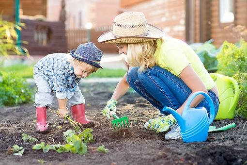 A Frugal Spring Break at Home: 7 Fun Family Activities for the Kids (& You)!