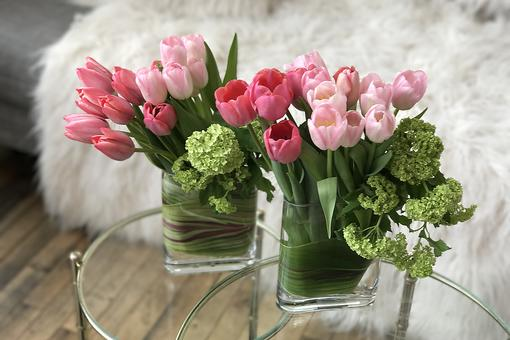 Spring & Easter Decor Starts With Tulips: How to Create an Ombre Tulip Arrangement!