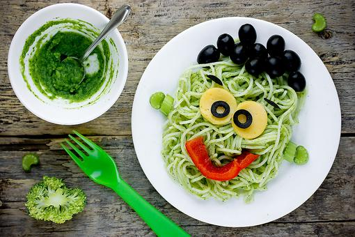 Start Halloween With a Healthy Dinner: 7 Spooky Menu Ideas for Kids!