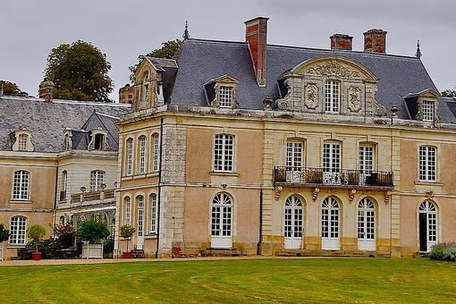 Chateau Des Briottieres: Stay in a Family Castle in France for Luxury & Romance