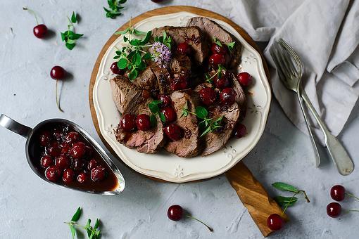 Steak With Cherry-Wine Sauce Recipe: This Easy Steak Recipe With Fresh Cherry Sauce Will Impress