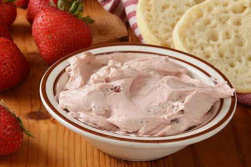 This 3-Ingredient Whipped Strawberry Cream Cheese Recipe Just Loves Those Nooks & Crannies