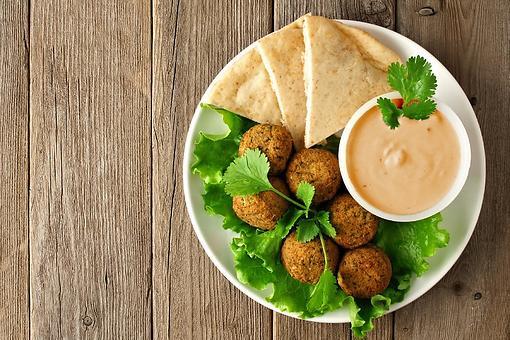 Subtle Spice Harissa Tahini Dip Recipe: This Tahini-based Dip Recipe Is the Perfect Dunk for Pita