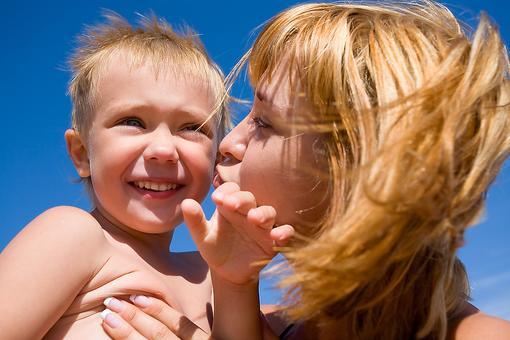 Sunburn Tips From the Skin Experts: 8 Tips for Treating Sunburn in Kids