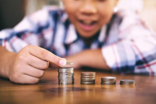 Teaching Kids Financial Skills: Here Are 5 Things Children Need to Learn About Money!