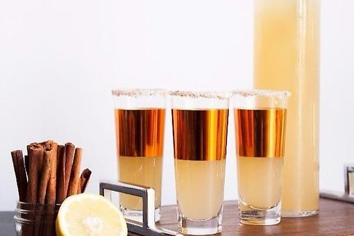 Bourbon Drink Recipes: How to Make Hard Apple Cider Fall Punch