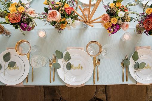 Thanksgiving Tablescapes: 3 Steps to the Perfect Thanksgiving Dinner Table From Debi Lilly!