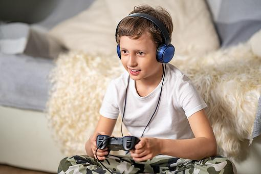 The Best Kids' Gaming Bluetooth® Headphones in 2021: 4 Things to Know When Buying Headphones for Children