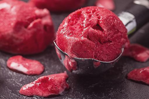Raspberry Sorbet Recipe: This 5-Minute, 3-Ingredient Raspberry Sorbet Recipe Is Perfection