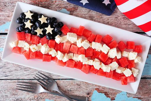 The Easiest (and Healthiest) Patriotic Snack Recipe You'll Ever Make for Memorial Day