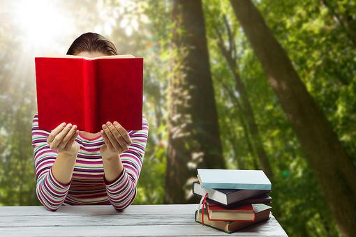 The Healthy Benefits of Reading (From Reducing Stress to Improving Sleep)!