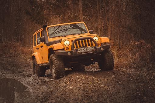 The Jeep Wave: Brand Loyalty That Has Created a Jeep Family