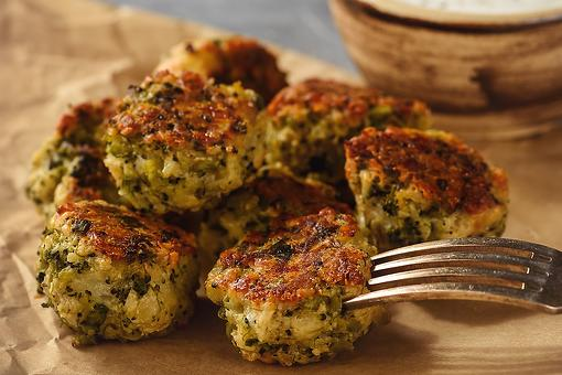 Baked Broccoli & Cheese Balls Recipe: These Crispy Appetizers Are the Perfect Bite