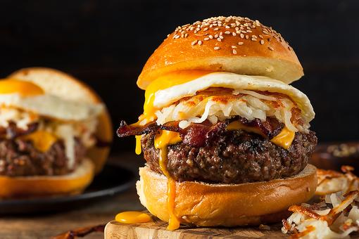 This Breakfast Cheeseburger With Bacon & Hash Browns Is Mad Genius