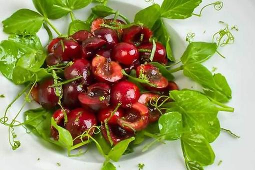 This Cherry Vinaigrette Recipe Is the Perfect Way to Celebrate Summer!