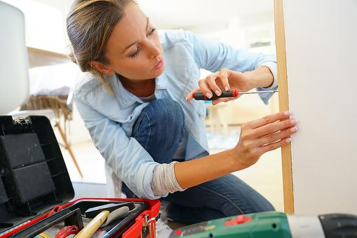 To Buy or DIY? 3 Tips for Those Who Love Do-It-Yourself & Crafting to Help You Decide!