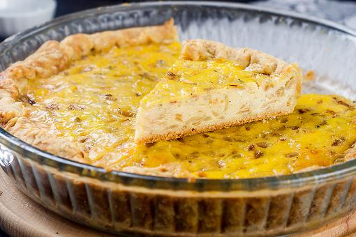 Easy Onion Quiche Recipe: This Caramelized Onion Quiche Recipe Is a Good Excuse to Pop That Wine Cork