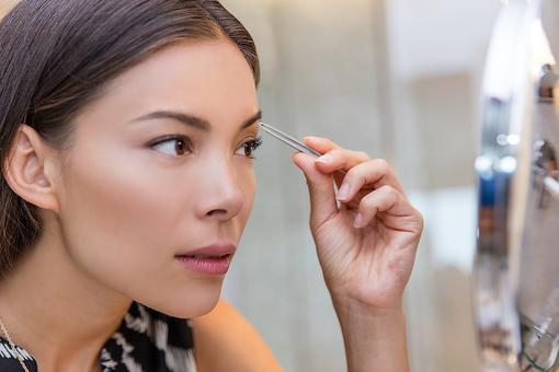 Tweezers: Why Moms May Want to Keep a Pair in Their Purse!