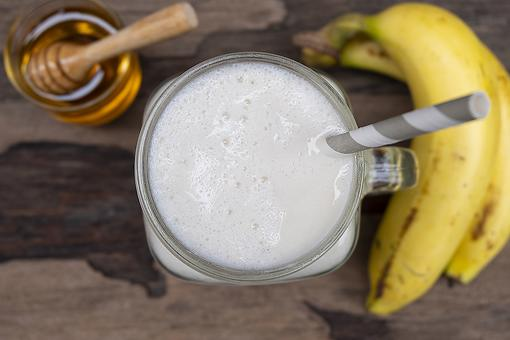 Vanilla Honey Banana Ice Cream Smoothie Recipe: You Get a Little Bit of Everything in This Dessert Smoothie Recipe