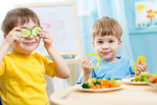 Want Kids to Eat Better? Here's What Not to Say to Them!