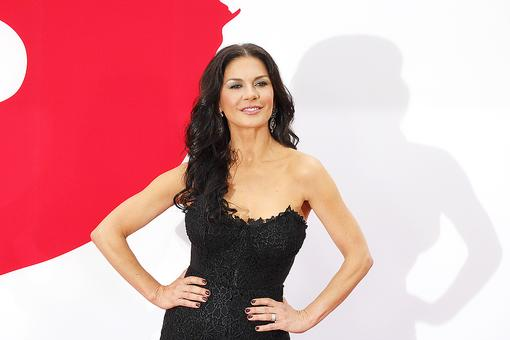 Want Shiny, Gorgeous Hair Like Catherine Zeta-Jones? Soak It In...