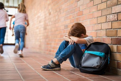​Warning Signs of Bullying: 12 Signs Kids May Be Bullied & What Parents Can Do