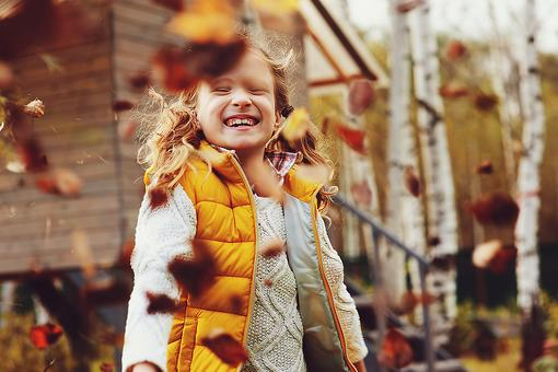 Parents, When You Lead, Your Kids Will Follow: 5 Mindful Steps to Fall Family Fun