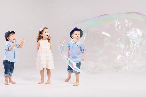 Who Needs Store-Bought Bubbles? Make Ultimate Giant Bubbles With Your Kids! Here's the Easy Recipe!