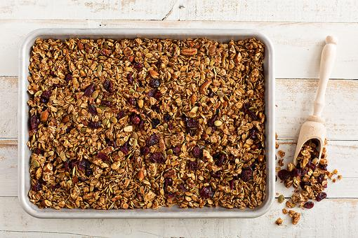 How to Make Homemade Granola (Who Needs Store-Bought?)