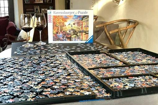 Jigsaw Puzzles for Kids & Adults: Here's Why Puzzles Are the Best Winter Activity for Families