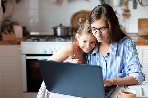 Can You Work at Home With Kids? 4 Tips for Parents Working From Home During the Coronavirus Pandemic