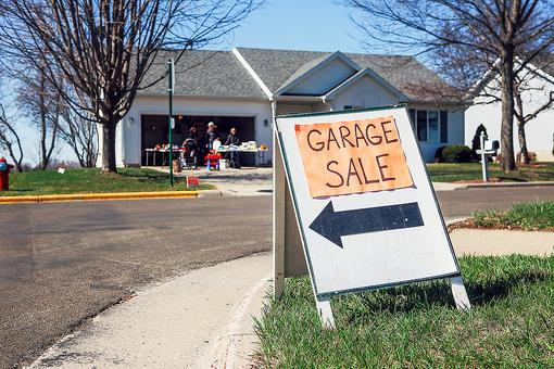 Yard Sales & Flea Markets: 7 Shopping Tips to Help You Find Those Hidden Treasures