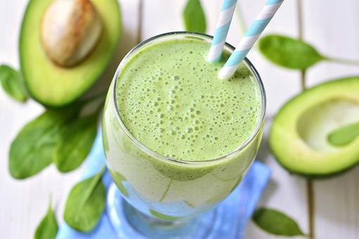 How to Make a Healthy Avocado Smoothie (Just 4 Ingredients)!