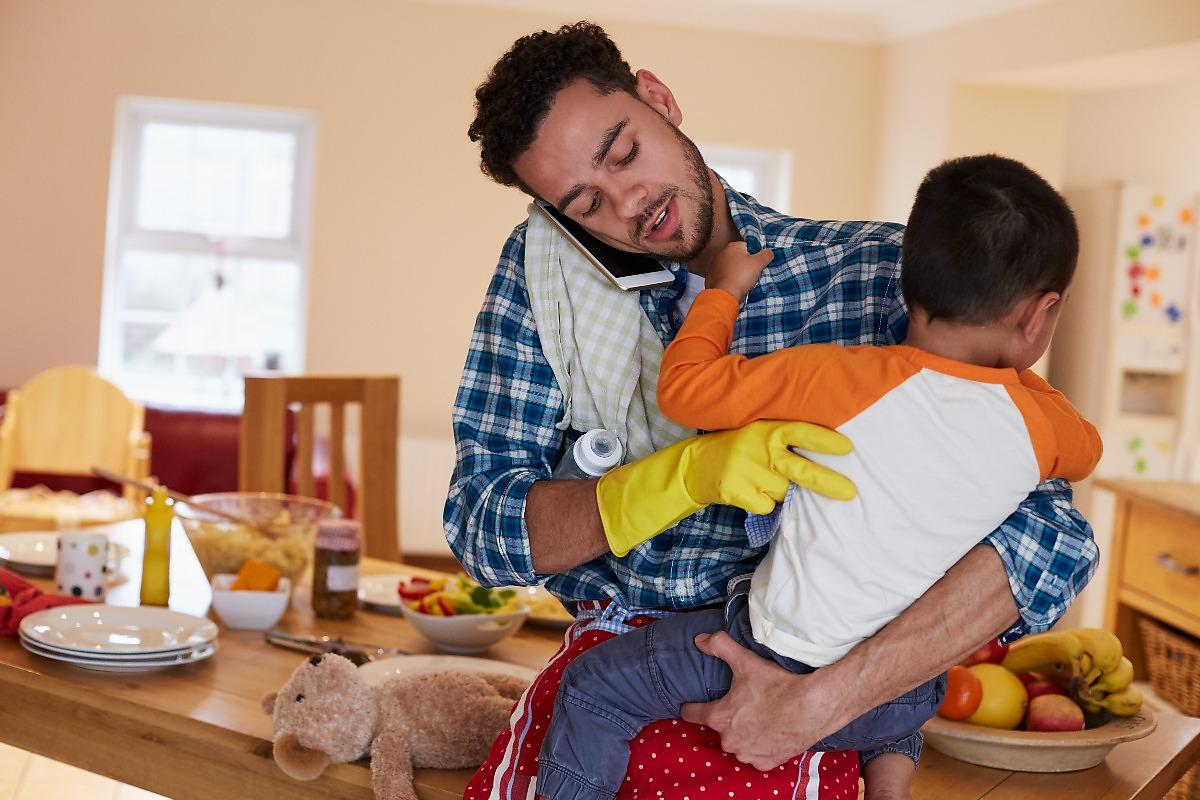 the disadvantages of being a stay at home dad I'm a stay-at-home dad,  i mentioned that atlantic cover story about women not being able to have it all to jen  how many advantages could one.