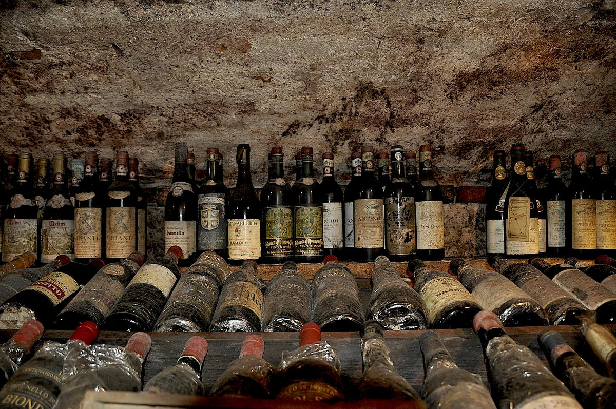 Enoteca Vanni in Lucca, Italy: Explore One of the Best Wine